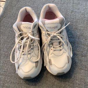 Vionic Sneakers Size 10 in EUC!